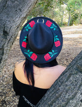 Load image into Gallery viewer, Vegan Felt Hat - Roses