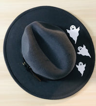 Load image into Gallery viewer, Vegan Felt Hat - Spooky Ghosts