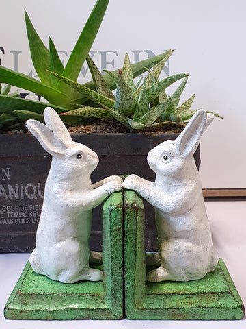 BER20 Pair of cast iron Rabbit bookends