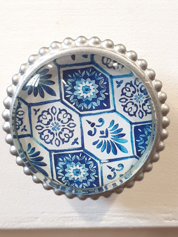 Knob - large blue pattern