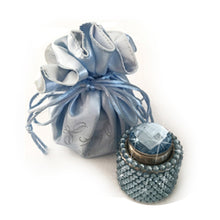 Load image into Gallery viewer, Blue diamante wine stopper Luxe gift and decor