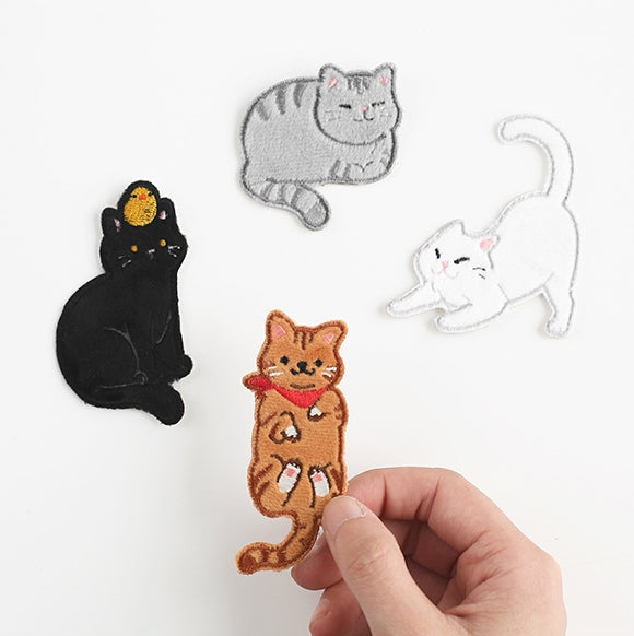 Cat [White Cat Stretching] Embroidered Sticker Patch