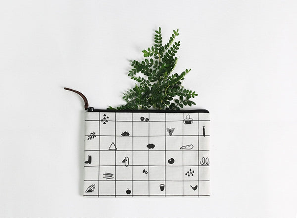 Little Things Graphic Pattern Pouch