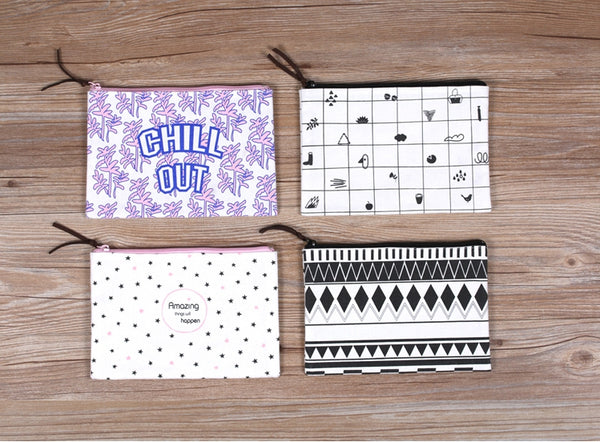 Graphic Pattern [Variation] Pouch By Colour-Up