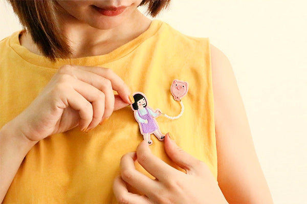 Girl Piggy [Girl With Balloon] Brooch By U-Pick