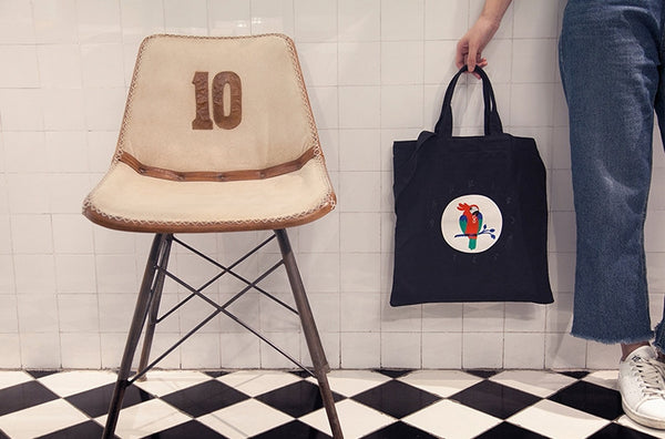 Parrot Lifestyle Tote Bag By YIZI