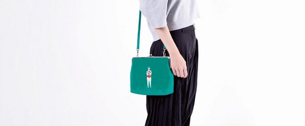 Lily Ball Clasp Pouch by YIZI