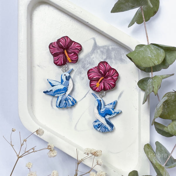 Hummingbird And Hibiscus in Blue