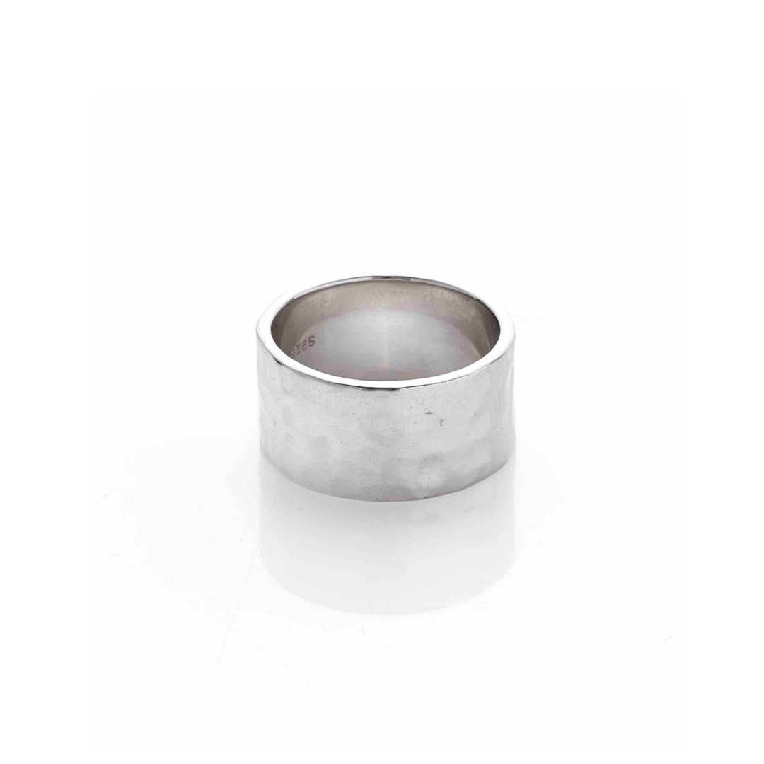 Silk & Steel Jewellery Beaten ring silver