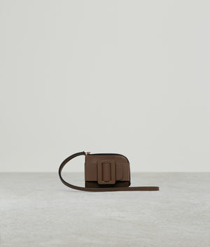 BUCKLE CARD HOLDER WITH STRAP TWO-TONE SADDLE / CARAMEL