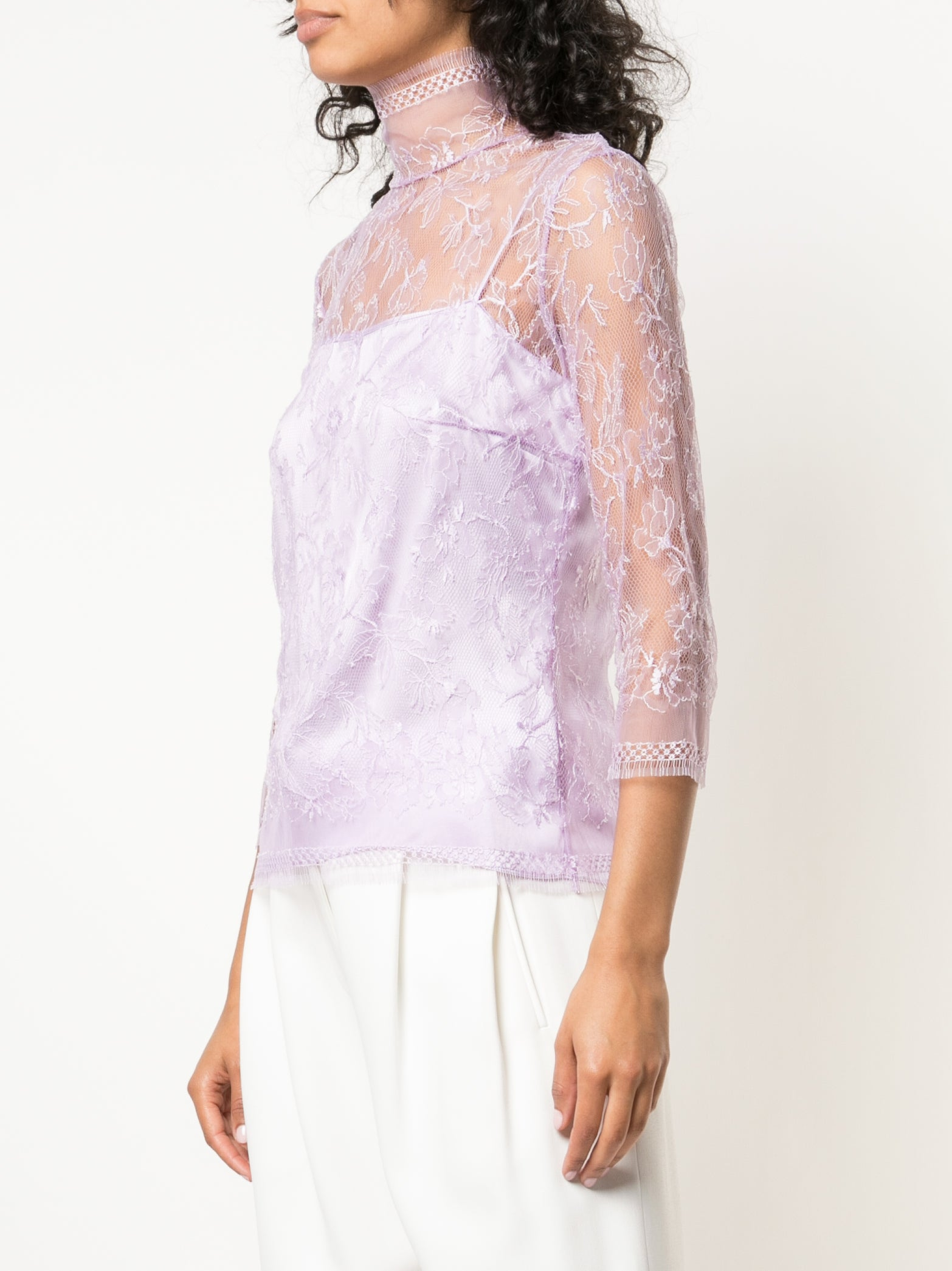 CHANTILLY LACE TURTLENECK