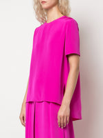 SHORT SLEEVE BACK PLEAT TOP IN CREPE
