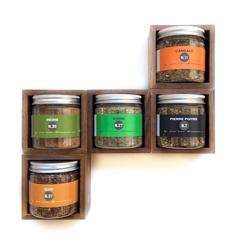 spice box with 5 blends