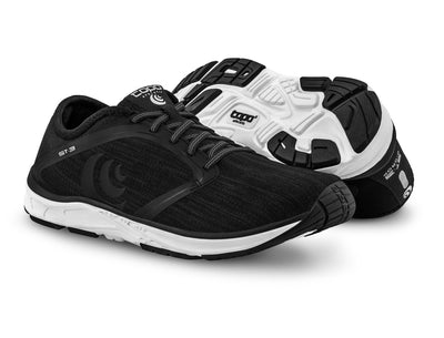 A pair of Topo ST-3 Women's Road Running Shoes in Black/Grey