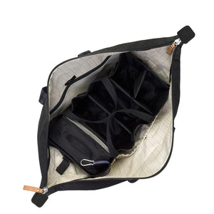 Storksak Travel Duffle Black hospital bag internal view empty | Maternity hospital bag | Storksak - Award-winning Baby Changing Bags & Accessories