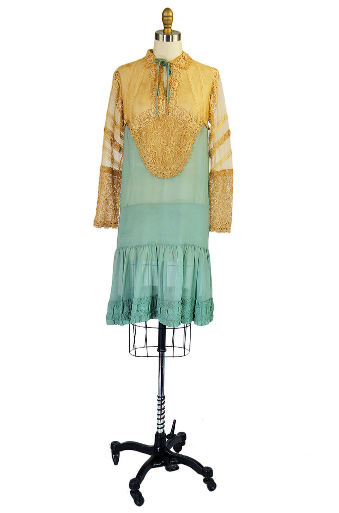 1920s Pale Blue Silk & Lace Day Dress