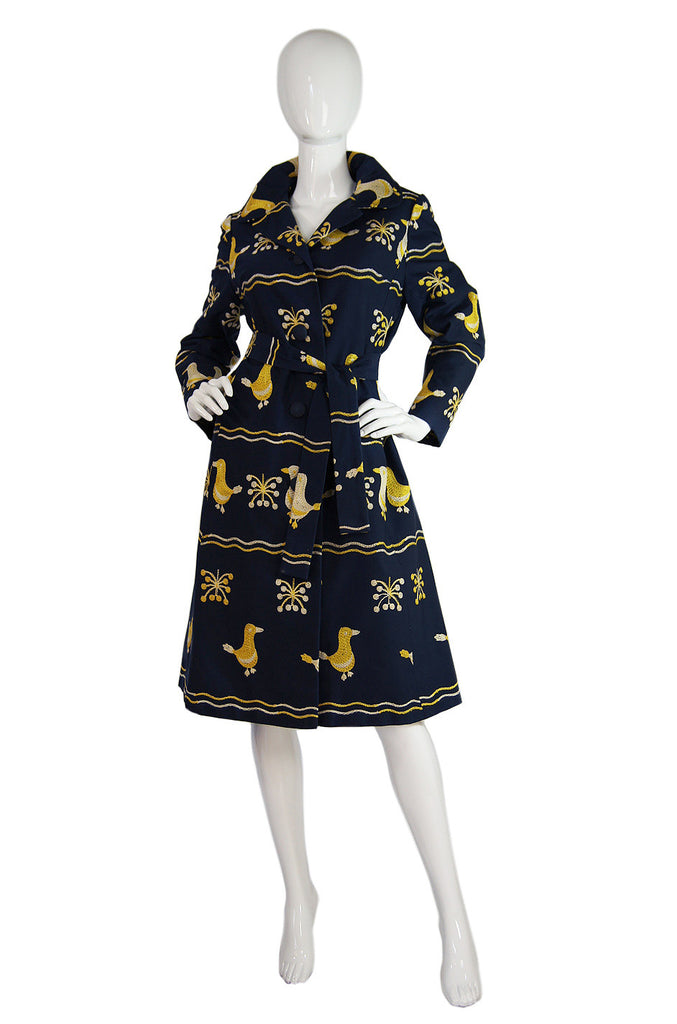 1960s Embroidered Ducks Tie Coat