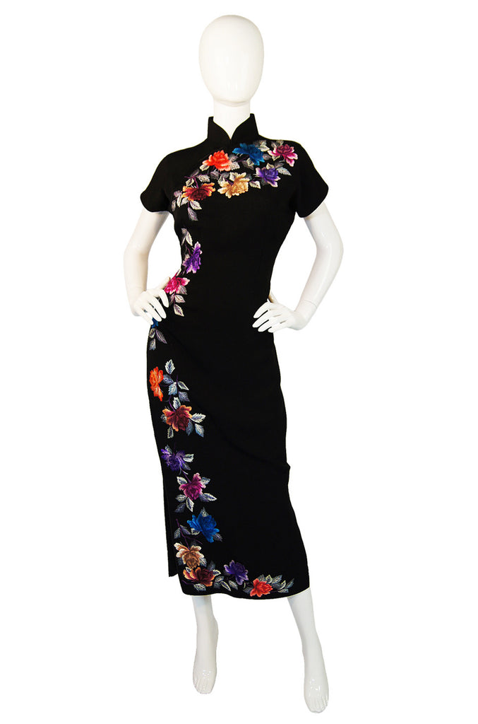 1960s Embroidered Flowers Cheongsam