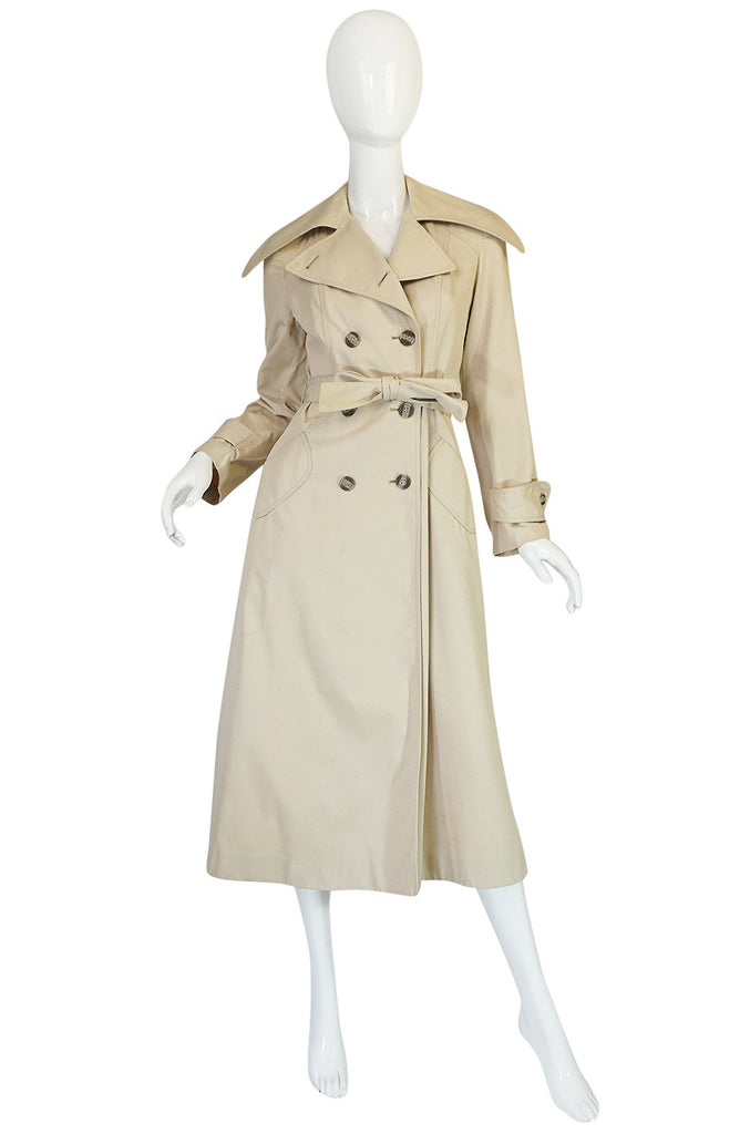 1970s Halston Khaki Trench Coat with Oversized Collar