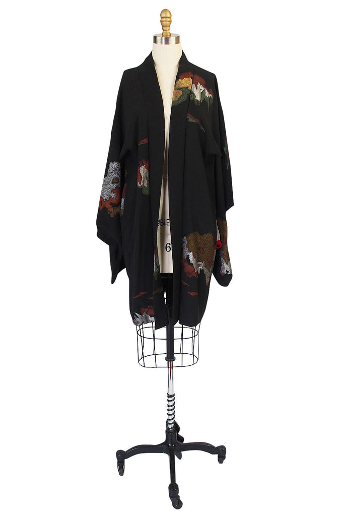 1950s Stunning silk and Metallic Thread Kimono