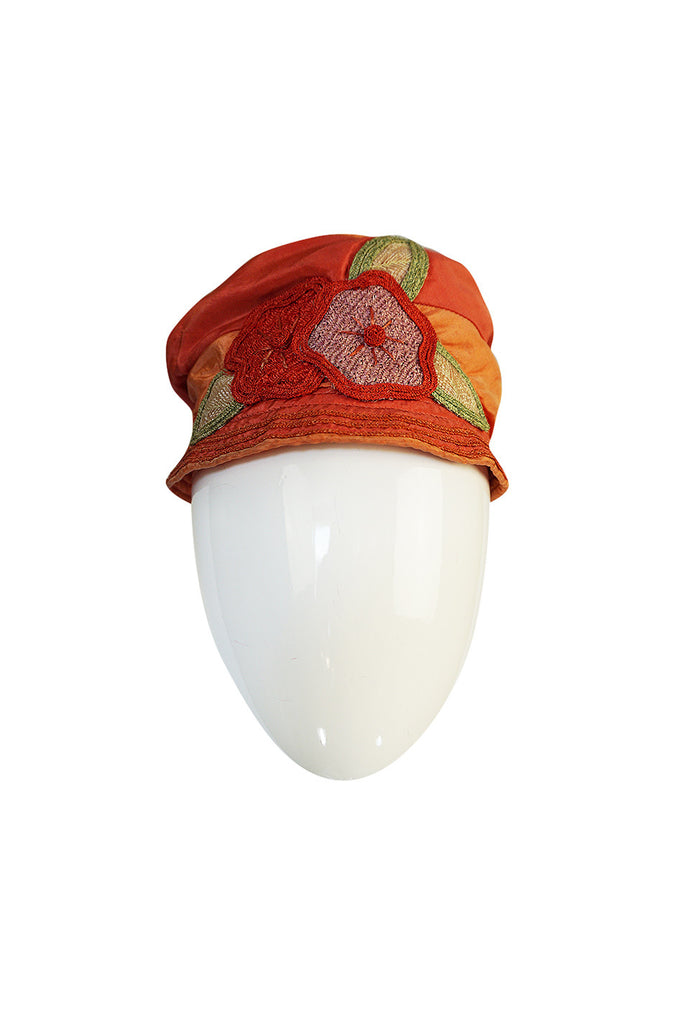1920s Peach & Coral Silk Floral Applique Flapper Cloche Hat