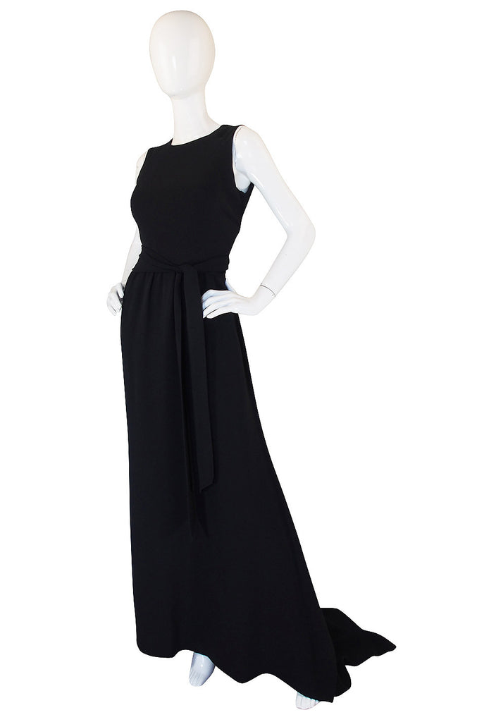 1990s Trained Oscar de la Renta Black Gown