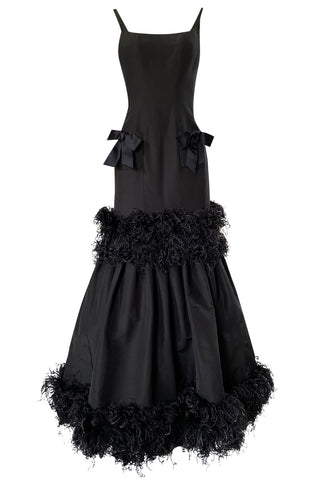 Fall 2004 Oscar de la Renta Runway Feather & Black Silk Hourglass Dress