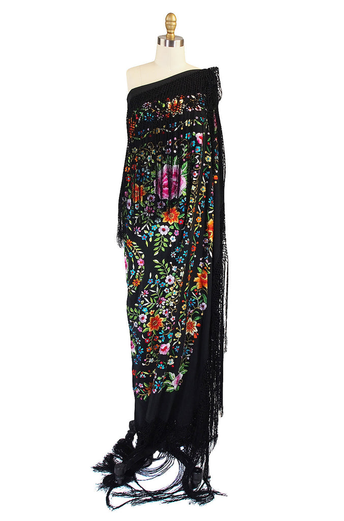 1920s Vivid Embroidered Silk Piano Shawl