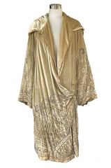 Exceptional 1920s Gold Silk Velvet Beaded Art Deco Wide Sleeve Coat