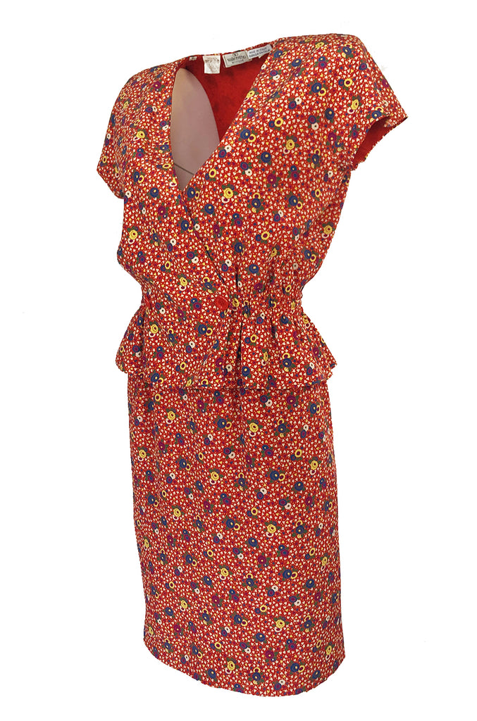 Gorgeous 1970s Valentino Floral Printed Red Silk Jacket and Skirt Suit Set