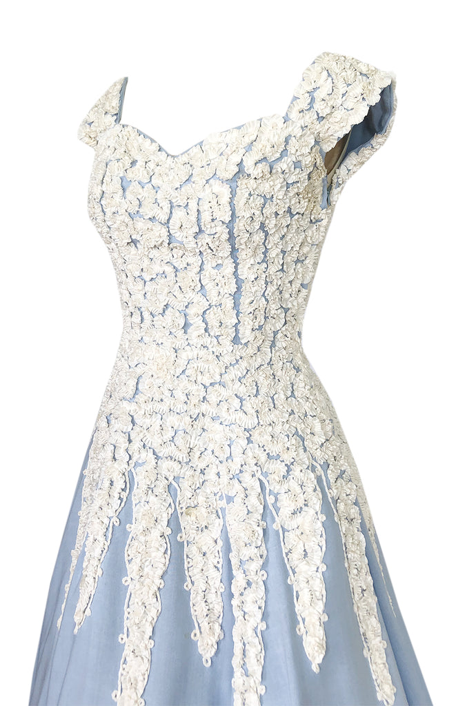 1950s Unlabeled Pale Baby Blue Dress w Ivory Crinkle Ribbon Applique