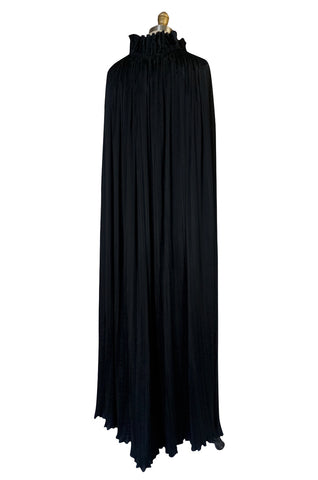 1970s Giorgio Sant'Angelo Flowing Pleated Black Cape