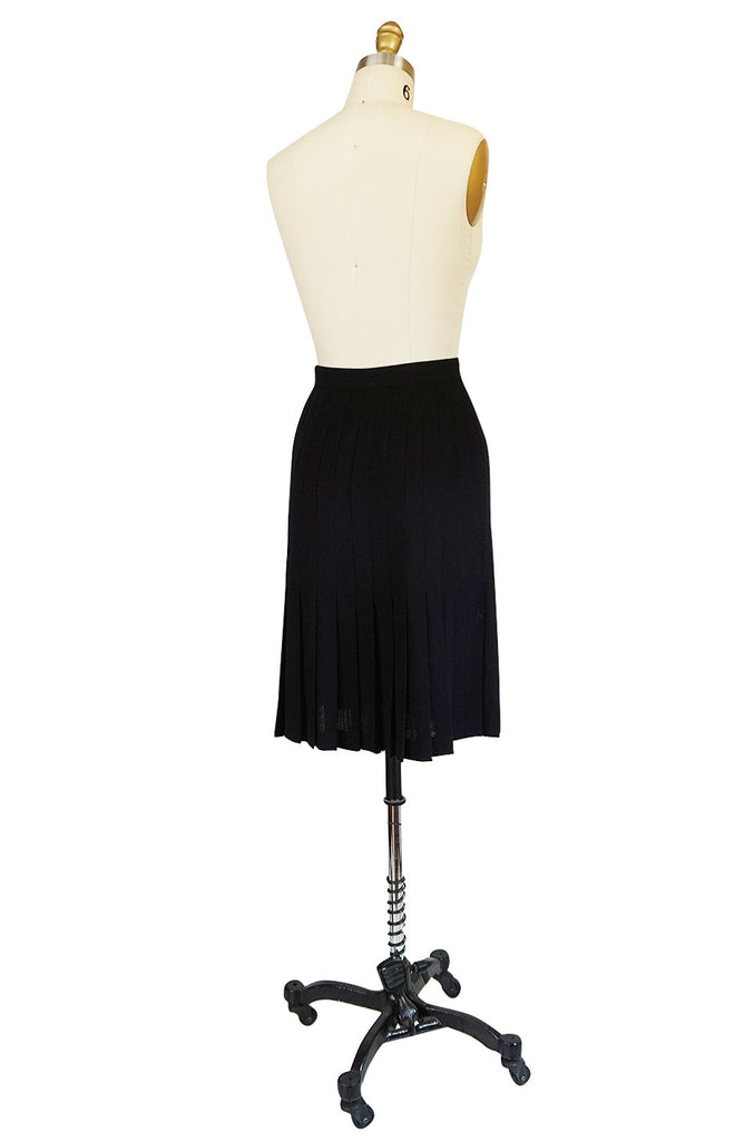 1970s Knife Pleated Black Wool Crepe Valentino Skirt