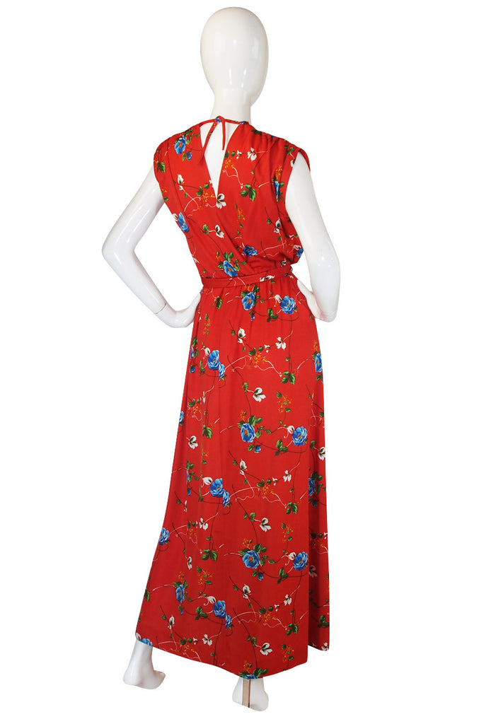 1970s Chic Coral Print Jersey Maxi Dress