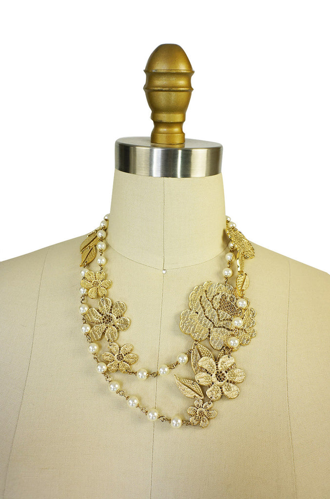 2008A Chanel Pearl & Rose Necklace