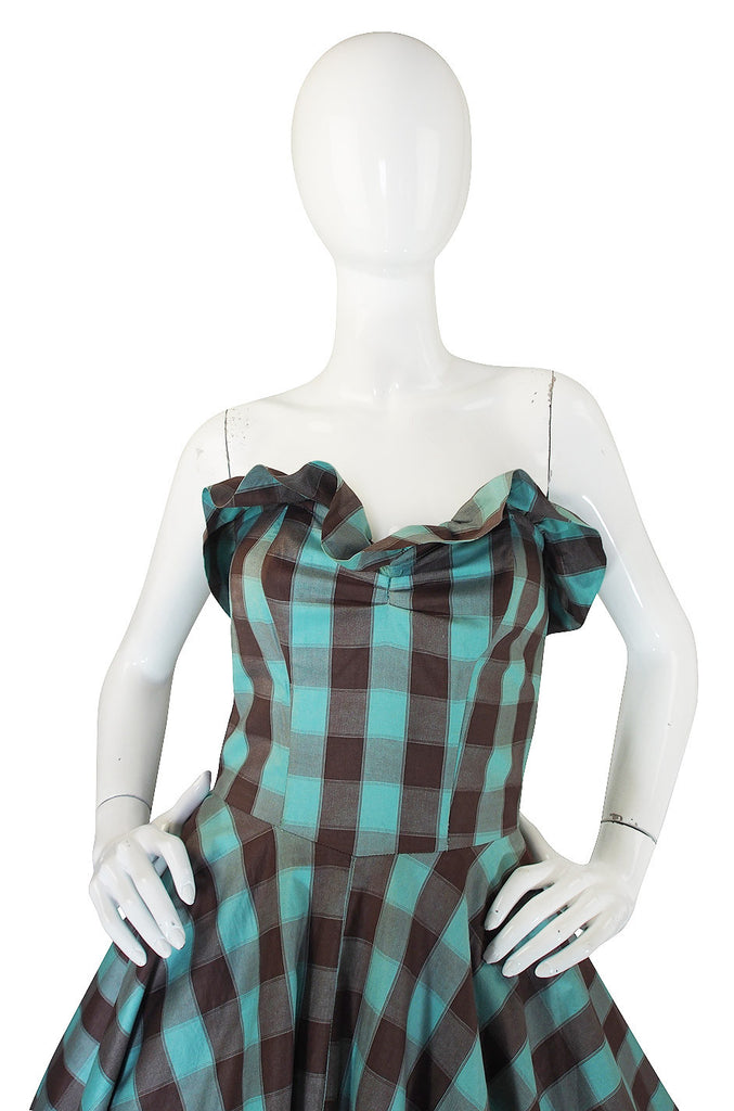1950s Gorgeous Strapless Checked Full Skirt Dress