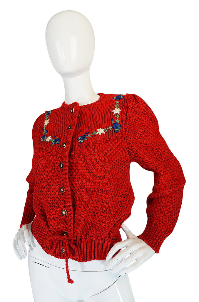 Adorable 1950s Hand Knit Red Floral Detail Sweater