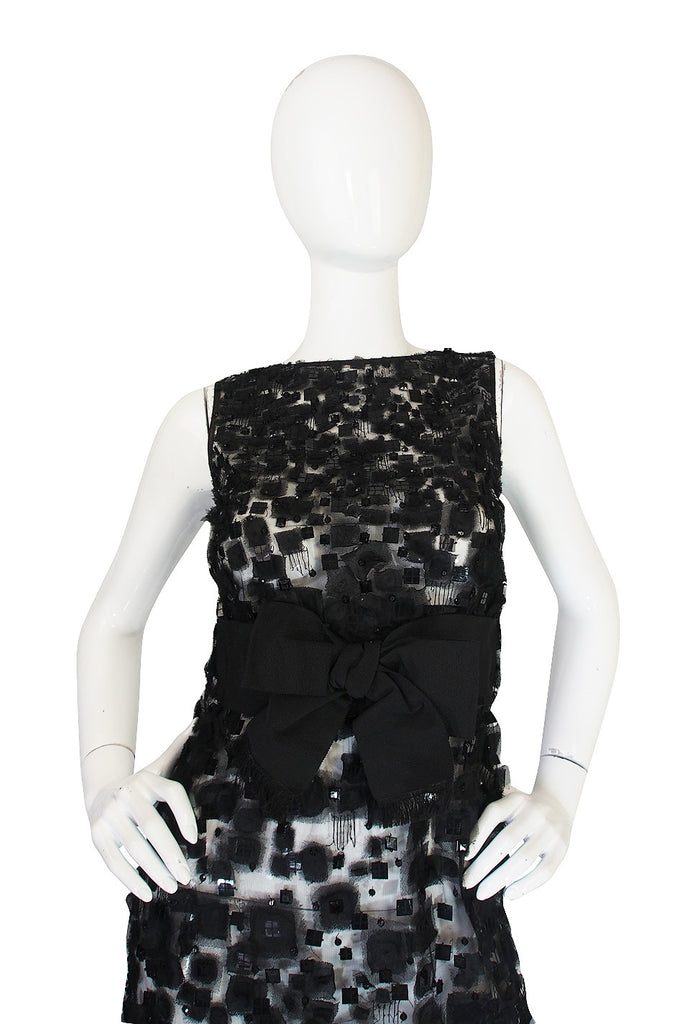 Resort 2009 Romantic Oscar De La Renta Black Lace Dress