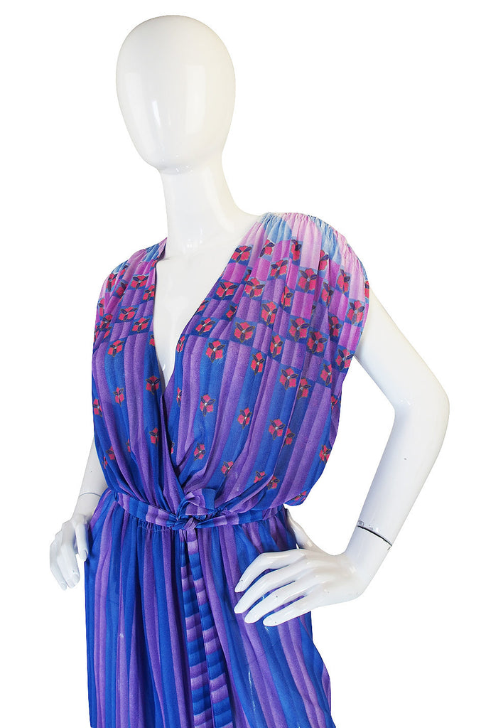1970s Pretty Purple Nylon Print Wrap Dress
