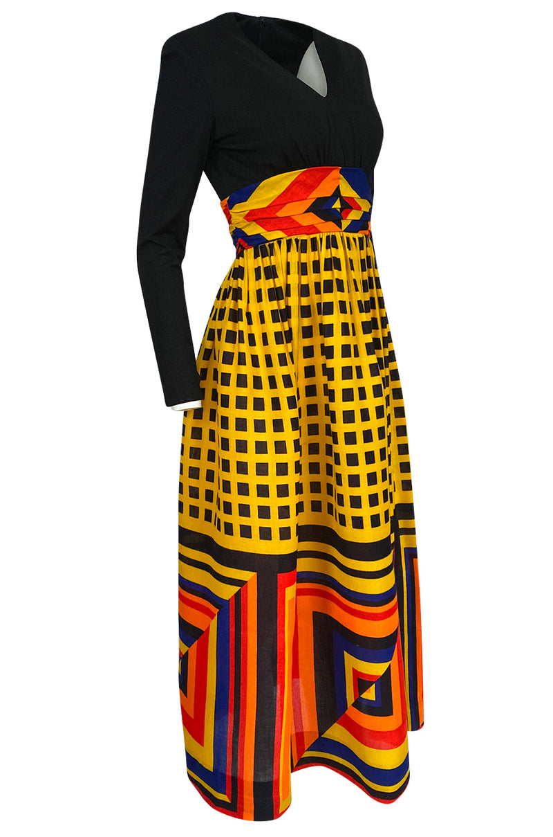 1970s Unlabeled Bright Graphic Printed Yellow & Red Full Skirted Dress