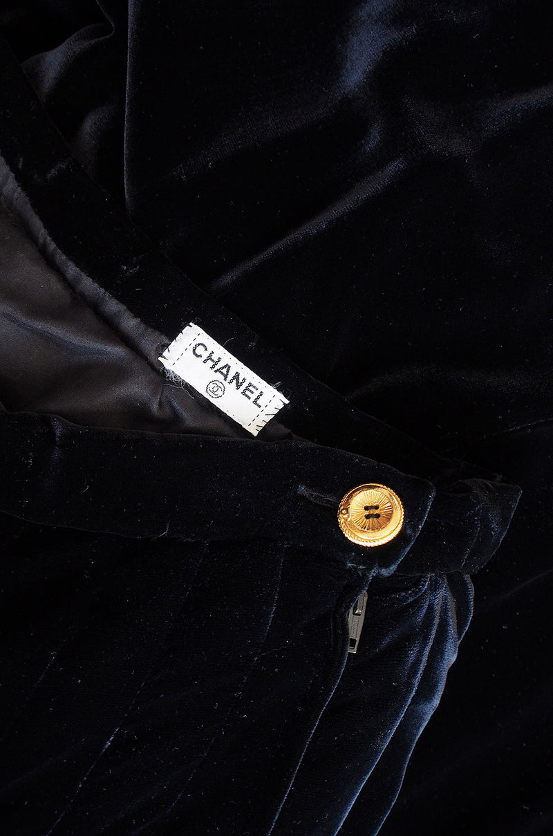 1980s Black Chanel Pleat Velvet Skirt