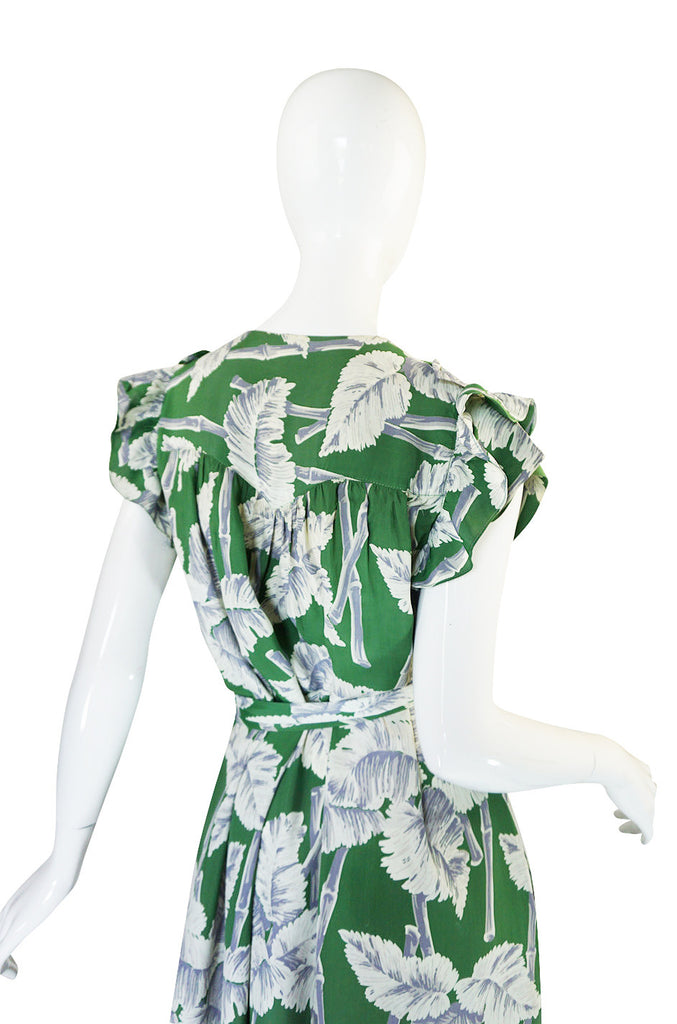 1940s Green Silky Rayon Hawaiian Leaf Print Dress
