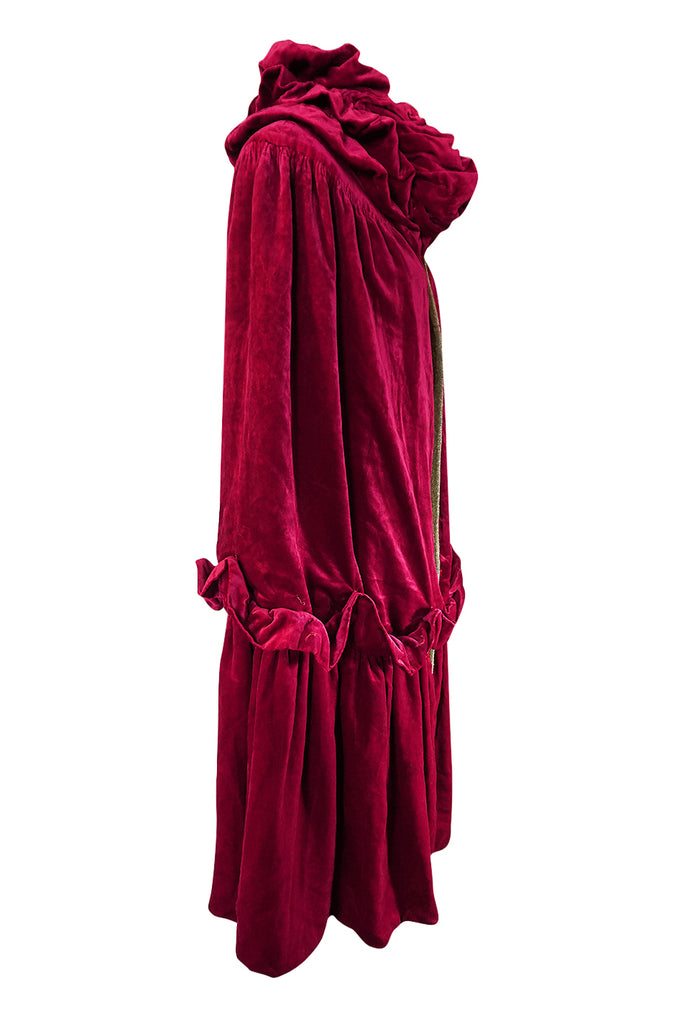 1920s Deep Fuschia Pink Velvet Reversible Gold Lame Cape