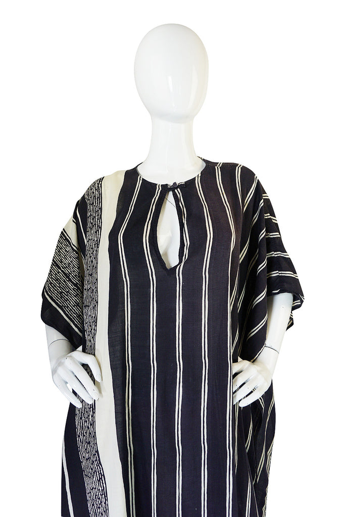 1970s Graphic Black & White Bill Tice Caftan Cover Up