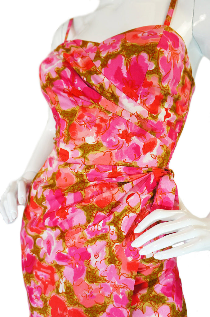 1950s Floral Print Hawaiian Wiggle Dress