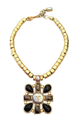 Exquisite CHANEL 1997 Pendant Necklace