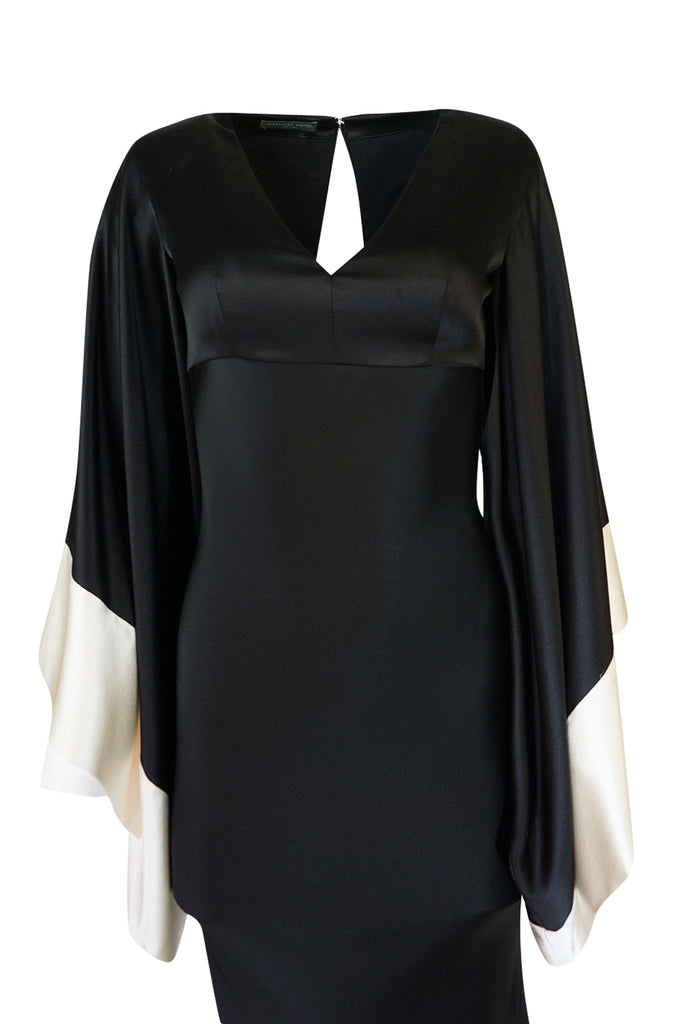Recent Alexander McQueen Kimono Sleeve Black & White Silk Dress