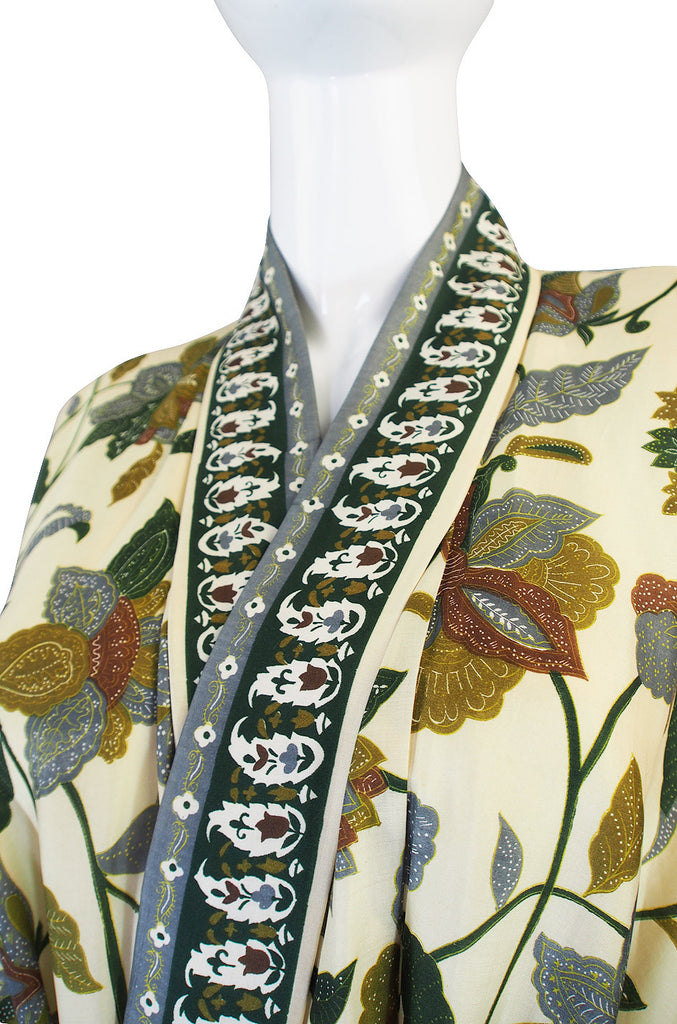 1950s Pretty Silk Print Olive and Cream Kimono