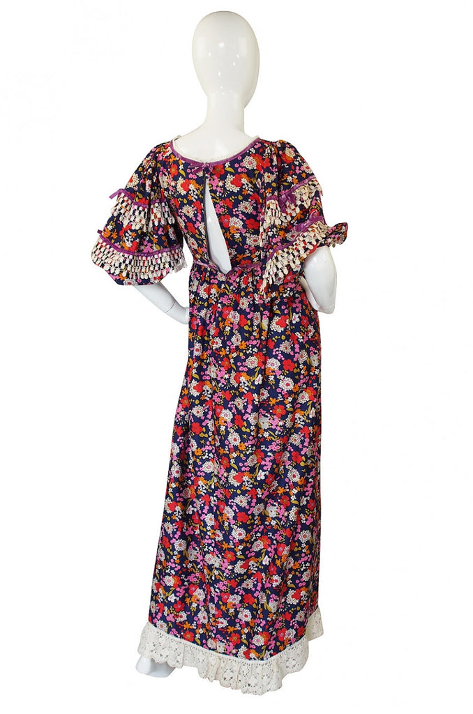 1960s Gina Fratini Lace Trimmed Sleeves w Floral Print Maxi Dress