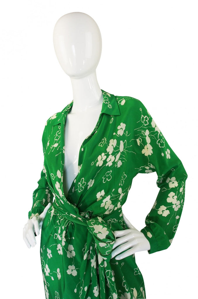 Resort 1977 Halston Green Silk Wrap Print Dress